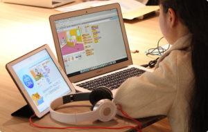 オンラインプログラミングスクール「Code Camp」の映像授業