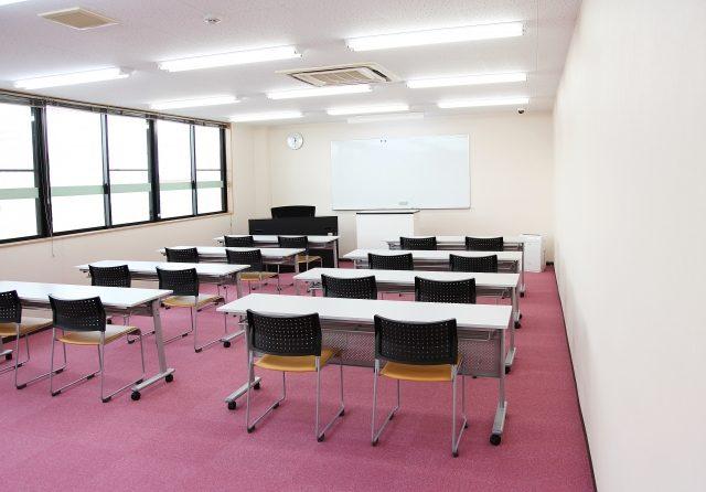 小学生が英検合格をめざすおすすめなリスニング方法①スクールに通う