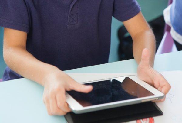 タブレット学習のおもな3つの欠点と対処方法