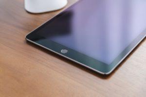 専用タブレットであれば「高解像度」の端末が使われている